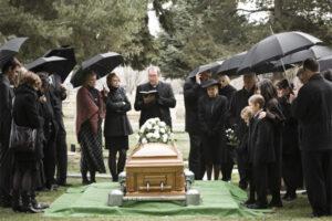 Правила на похоронах и приметы: ошибки которые можно, и не следует допускать
